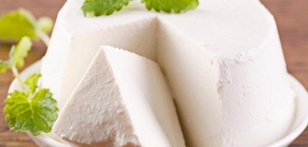 الجبنة البيضاء الجبنة البلدي ة البيضاء المكونات الطريقة طريقة حفظ الجبنة لعام كامل فيديو غلي وحفظ الجبنة البلدية الجبنة الب Feta Cheese Feta Food