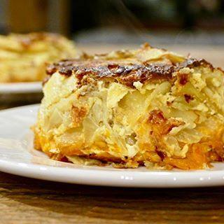 Gratin renversé de pomme de terre, fenouil et patate douce - Facile à faire, réconfortant et avec deux super-aliments, voilà un gratin absolument satisfaisant !