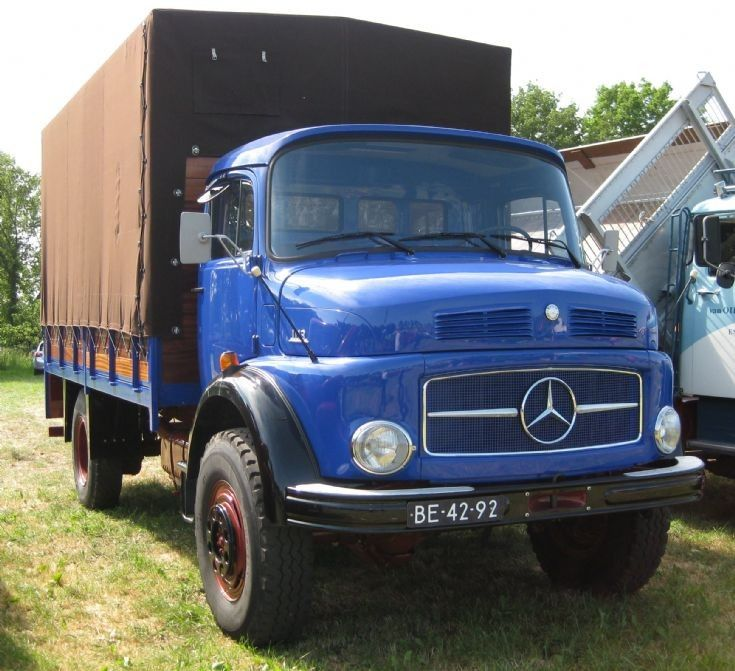 Mercedes old old trucks lorries and vans for Old mercedes benz trucks