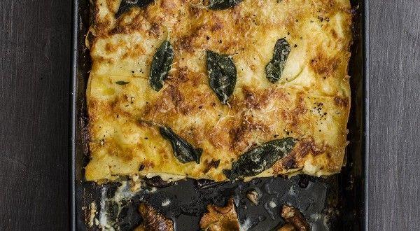 Romige lasagne - Zilveren Lepel Kookschool Pasta | Ciao tutti, Ontdek Italië http://www.ciaotutti.nl/italiaans-eten/recepten/romige-lasagne-uit-de-zilveren-lepel-kookschool-pasta/