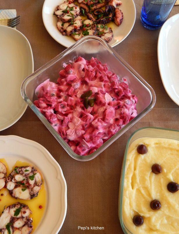Κροκέτες μπακαλιάρου και Γεύμα για 4 http://www.pepiskitchen.blogspot.gr/2015/03/kroketes-bakaliarou-gevma-gia-4.html