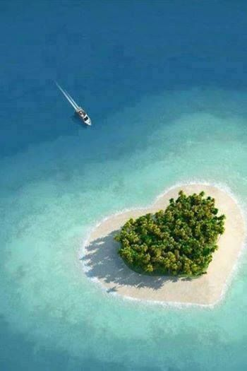 Tavarua Island, #Fiji is a heart shaped island which is immensely popular for its visually appealing look.