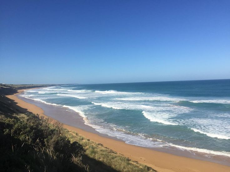 Not cold enough for Whales but it's still seriously pretty for a road trip  #Australia #LogansBeach #travelling #greatoceanroad  #nofilter by darceeyy