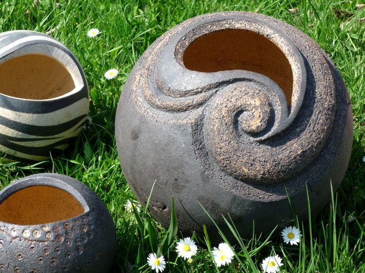Keramik im Steigerwald/Keramik/Pflanzkugeln/P1000678