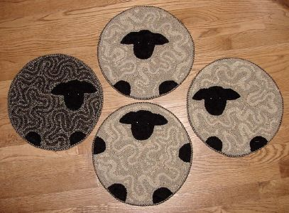 The Red Saltbox Rug Hooking Patterns Chair Pads