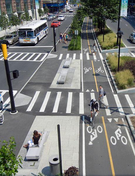 Queens Plaza : urban green machine