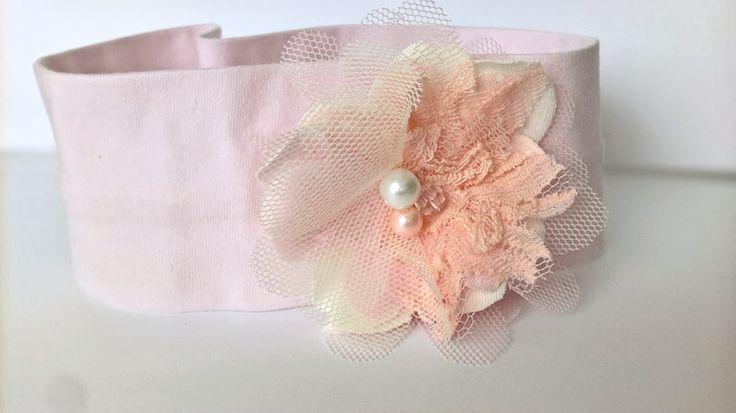 Bawełniana opaska kwiatek tiul perełki róż koronka - MadebyKaza - Opaski dla niemowląt