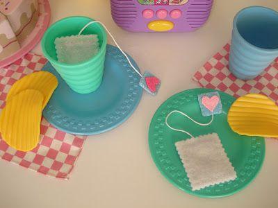 Free felt food pattern: tea bags