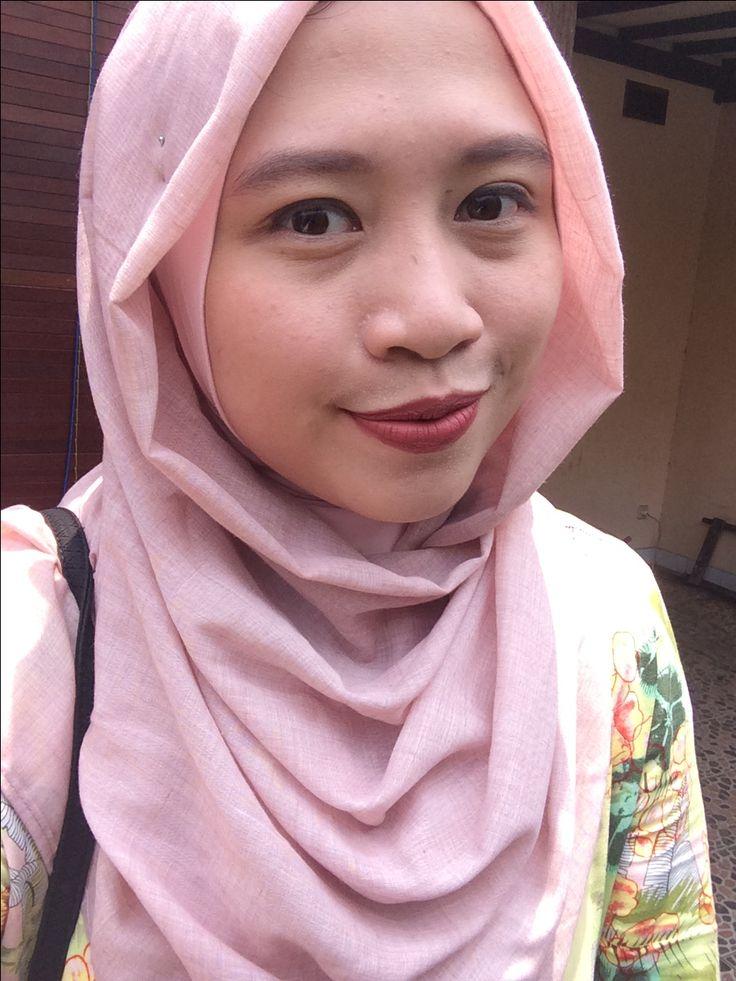 Wearing Purbasari Lip Matte 91 Opal with Sleek Matte Me Birthday Suit