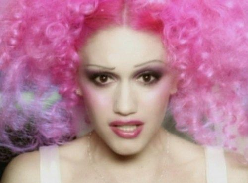 I dream of living in early 2000s on the West Coast of America, long summers on wide suburban streets and everything's a little eerie, like Sunday Morning or RL Stine wrote it..: Gwen Stefani, Pink Hair, Dream, Long Summers, Posts, Personal Gwen, Hair Apparent, Morning, Gorgeous Gwen