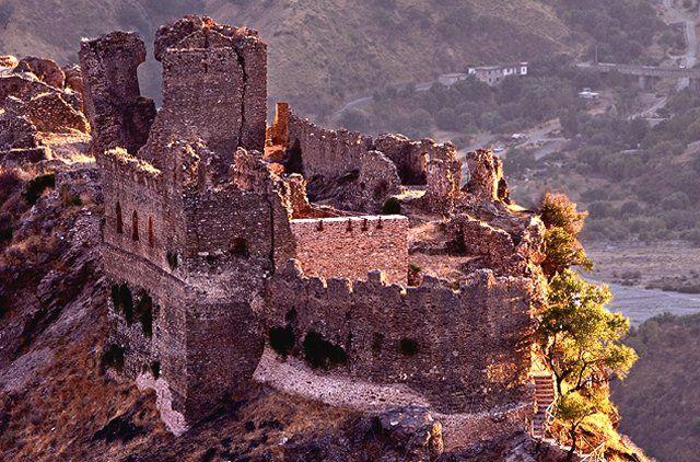 L'area grecanica della Calabria, ricca di storia, arte, cultura,tradizioni, natura e paesaggi mozzafiato.   La nostra Calabria