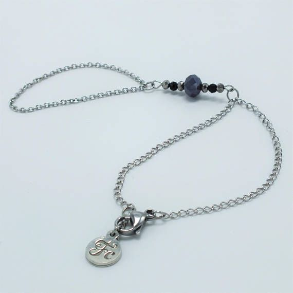 Hey, j'ai trouvé ce super article sur Etsy, chez https://www.etsy.com/ca-fr/listing/572377924/bijou-de-main-bracelet-cristal-saint