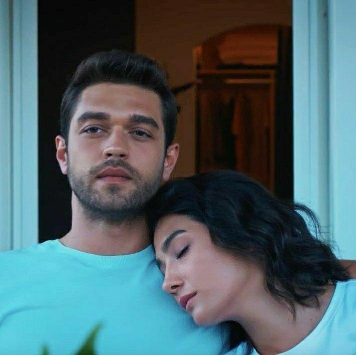 Pin By Flowerspring 13 On Her Yerde Sen Povsyudu Ty Turkish Film Cute Couple Pictures Actors