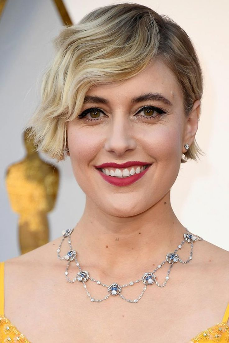 Greta Gerwig in an Art Nouveau moonstone necklace by Tiffany & Co at the 2018 Oscars