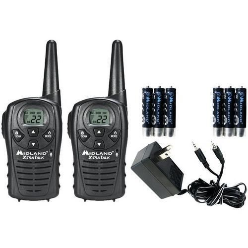 Midland(R) LXT118VP 18-Mile GMRS Radio Pair Value Pack with Charger & Rechargeable Batteries R810-MDLLXT118VP