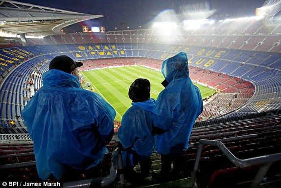 Barcelona 3 Arsenal 1: Before the UEFA Champions League game, there is torrential rain at the Nou Camp