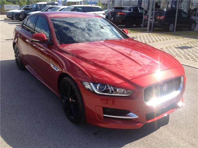 Fantastica proposta commerciale per agenti di commercio presso Autopiù #Jaguar #XE #RSport in pronta consegna.