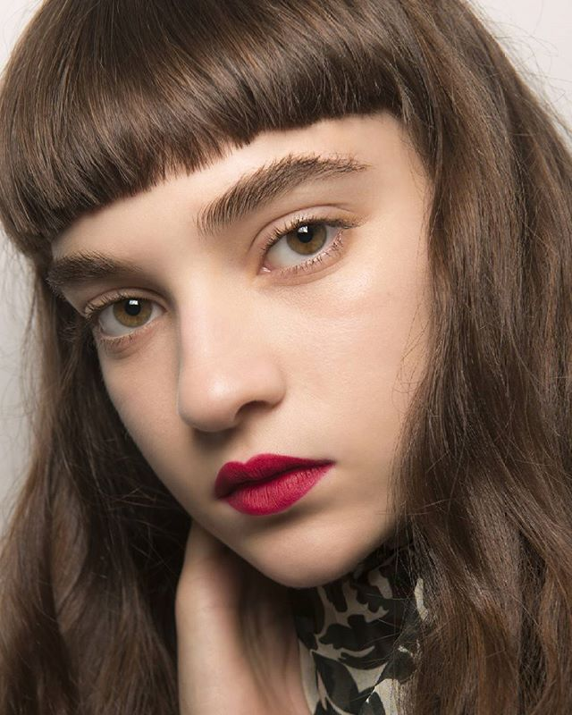 Hadirkan sentuhan edgy pada rambut panjang Anda melalui choppy bangs! Praktis untuk tampilan formal ataupun casual. Less effort for a maximum impact! #marieclaireindonesia #marieclairebeauty #beauty #hair #trend #choppy #bangs #ss17 #mariekatrantzou  via MARIE CLAIRE INDONESIA MAGAZINE OFFICIAL INSTAGRAM - Celebrity  Fashion  Haute Couture  Advertising  Culture  Beauty  Editorial Photography  Magazine Covers  Supermodels  Runway Models
