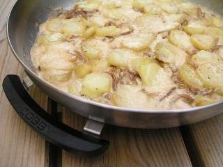 Aardappels op z'n Afrikaans. Een toepasselijk recept voor een van origine Afrikaanse BBQ. Lekker met een frisse salade!