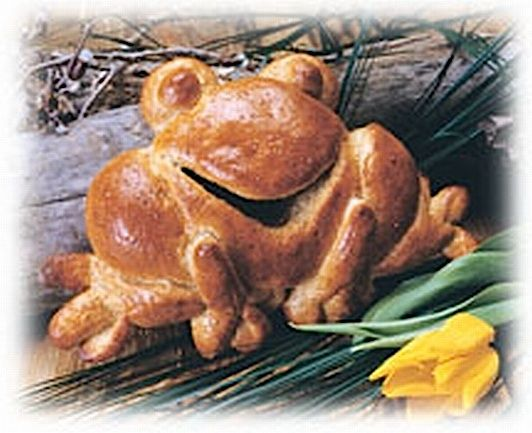 Frog  Jump right into this bread sculpture and make everyone smile