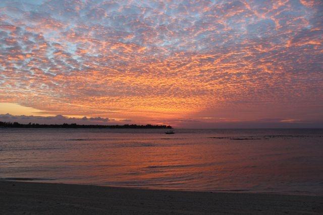 Sunset at Gili Meno, the Robinson Crusoe island (Indonesia) - Sonne & Wolken