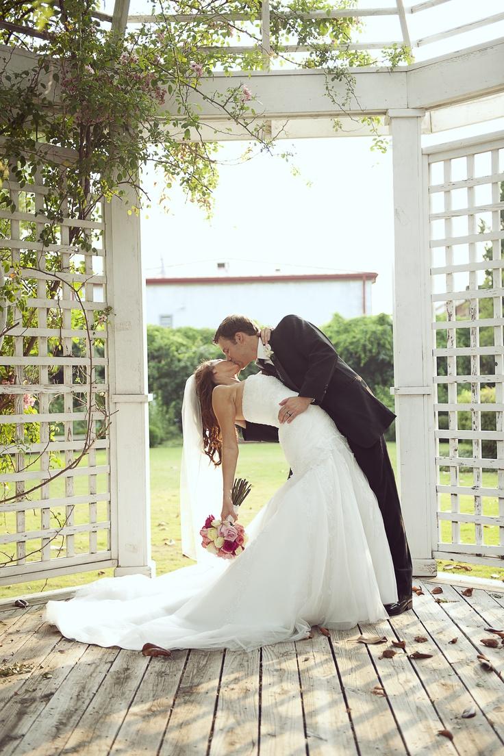 portraits.samanthanandez.com - #wedding #photography #kiss #alabama