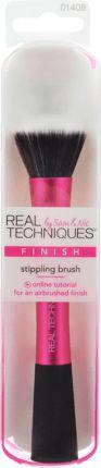 Der REAL TECHNIQUES Stippling Brush ist mit einem Pinselkopf, der aus zweierlei Fasern besteht, ausgestattet. Die weißen Fasern nehmen das Produkt auf,...