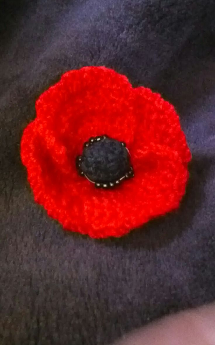 Knitted Poppy Pattern For British Legion : 17 Best images about poppies on Pinterest Poppies, Peace and Crochet