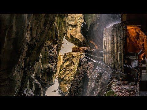 Die #Taminaschlucht ist eine Sehenswürdigkeit in #BadPfäfers nahe #BadRagaz im schönen Kanton #StGallen. Die Taminaschlucht ist durch die Kraft der Tamina entstanden und hat sich in den letzten 15 000 Jahren tief in den Boden gegraben. Die Taminaschlucht: #VerliebtindieSchweiz