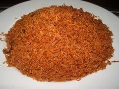 RESEP DAN CARA MEMBUAT SERUNDENG KELAPA ENAK. Serundeng adalah makanan khas Indonesia tradisional yang sering digunakan sebagai lauk-pauk nasi. Serundeng dibuat dari parutan kelapa yang digoreng hingga kuning kecoklatan dengan bumbu-bumbu seperti bawang bombay, cabai, bawang putih, bawang merah, ketumbar, kunyit, gula, asam jawa, daun salam, daun jeruk dan lengkuas. Bumbu-bumbu ini dilumatkan sebelum digunakan. Serundeng umumnya dihidangkan dengan irisan daging sapi goreng, yaitu ...