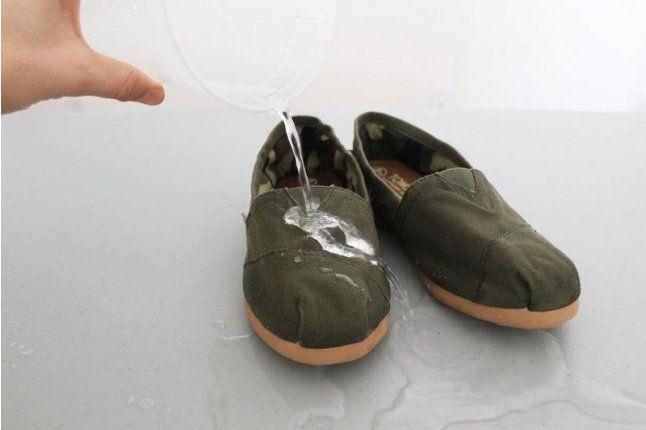 Lifehack: Hoe maak ik mijn schoenen waterdicht?