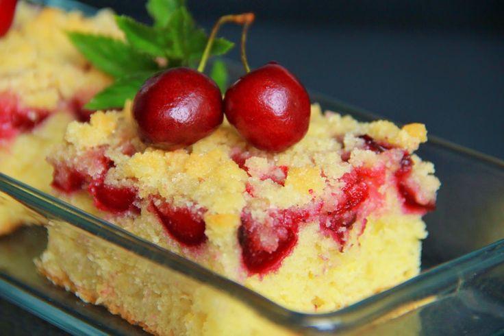 V kuchyni vždy otevřeno ...: Jednoduchý jogurtový ovocný koláč