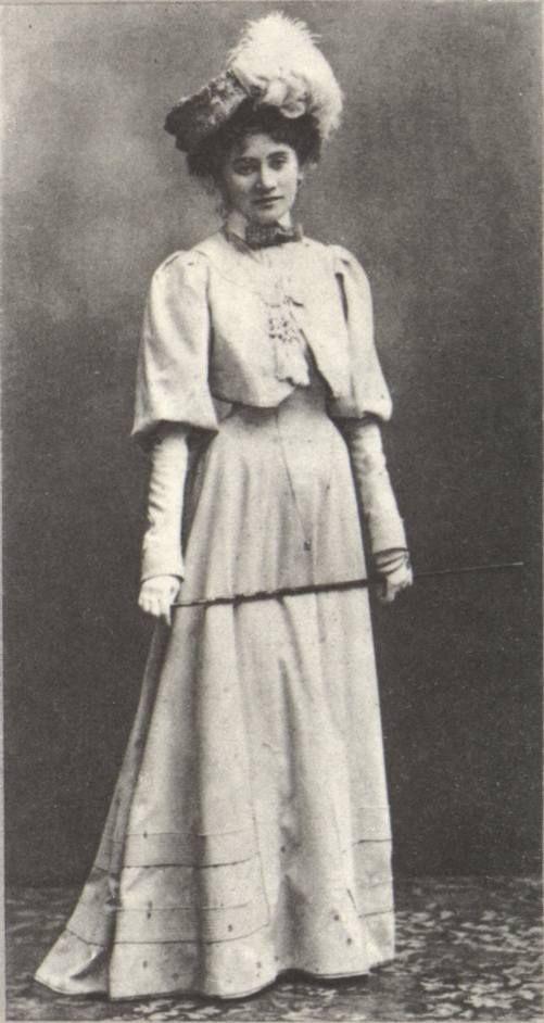 Елизавета Алексеевна Токмакова, урожденная Старцева, внучка Н. Бестужева. Севастополь, 1895 г