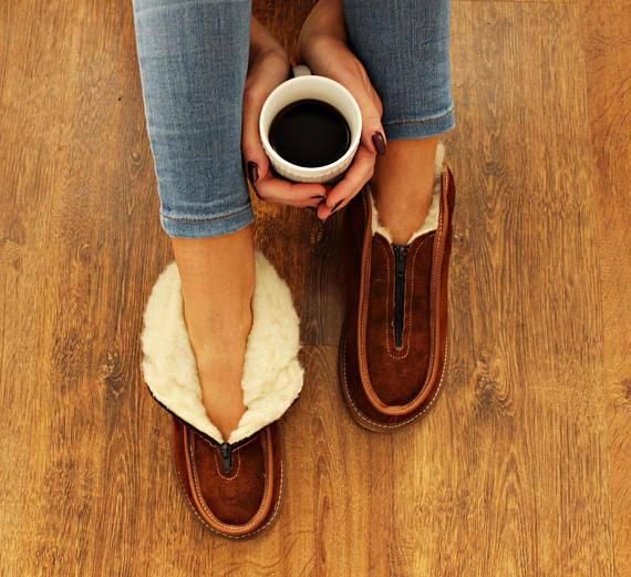 7d18065ee5b22 SHEEPSKIN slippers LEATHER slippers Fur slippers shearling shoes ...