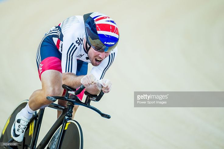 Mark Cavendish of Great Britain competes during the Men's omnium individual pursuit as part of the UCI Track World Cycling on January 16, 2016 in Hong Kong, Hong Kong.  #rm_112