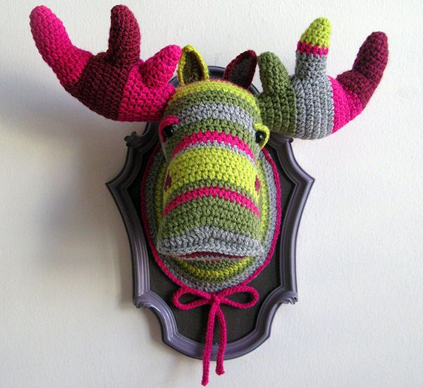 Crocheted Faux Taxidermy! Too funny!  This is for you Tifani :)