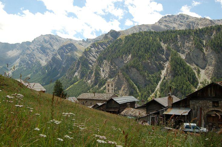 Saint-Véran, Hautes-Alpes : Les plus beaux villages de montagne - Linternaute