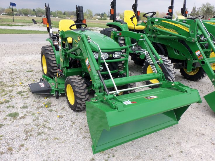 John Deere 2320 with 200 CX Loader