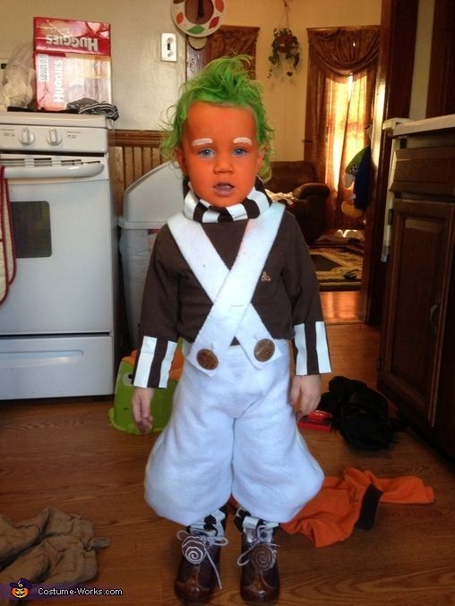 Umpa Lumpa Halloween Costume. So cute but I couldn't convince my kids to do this.