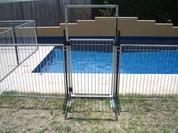 A Self Closing Temporary Pool Fencing Gate Are Installed On The Fence Panel Temporary Pool Fencing Pool Fence Pool