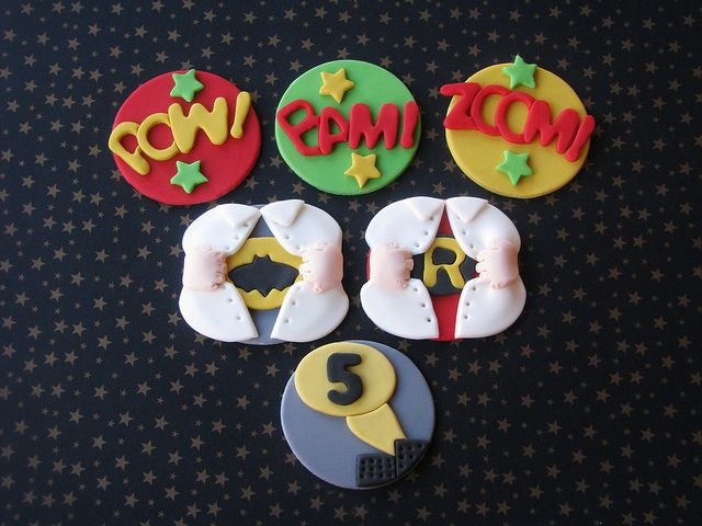 Batman and Robin Cupcake Toppers by Lynlee's Petite Cakes, via Flickr