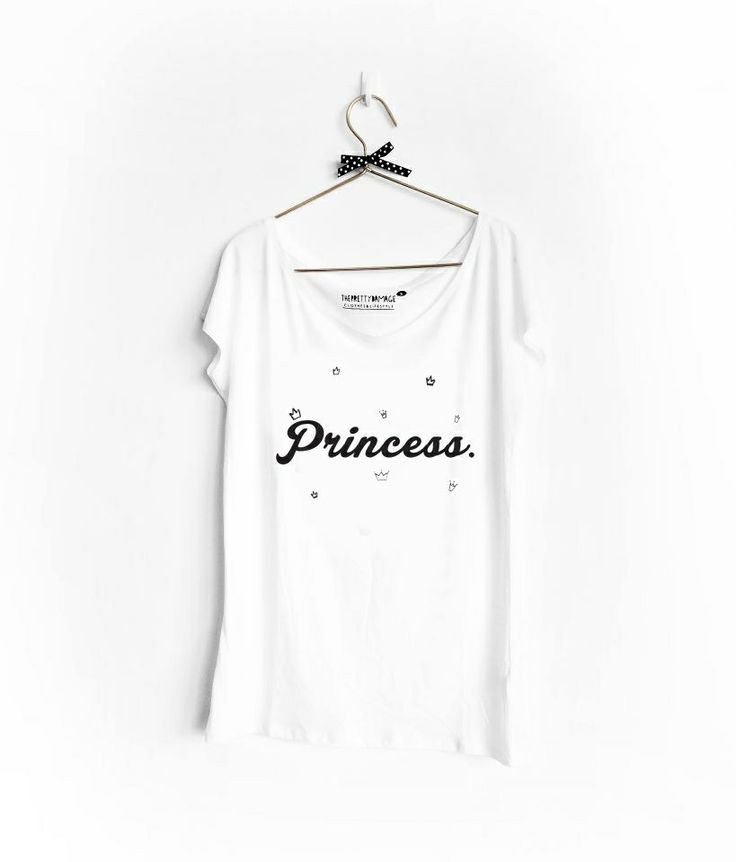 ✔️Disponível/available www.facebook.com/ThePrettyDamage #princess #crown #tshirt #fashion #theprettydamage #whitetshirt #bow #pretty