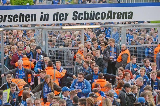 Kneipen bereits Stunden vor dem Anstoß gut gefüllt +++  Großer Fan-Andrang beim Pokal-Halbfinale