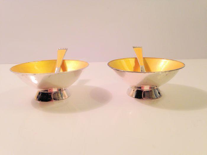 Online veilinghuis Catawiki: Zilveren geel geëmailleerde peper- en zoutvaatjes, Ela Denmark, Denemarken, ca 1950