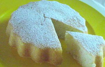 Torta al limone senza burro, uova e latte.