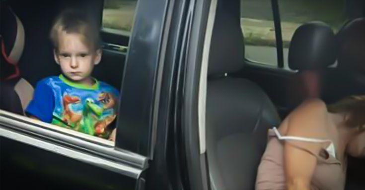 La policía ha compartido imágenes de unos padres inconscientes, en el interior de un vehículo con un niño de 4 años, para combatir la adicción a la heroína.