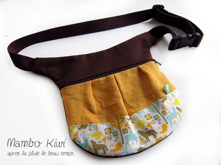 banane/poche ceinture marron, tissu animaux, lin caramel : Etuis, mini sacs par mambo-kiwi