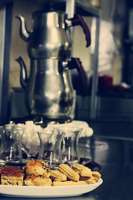 Turkish Tea: Çaydanlik, or double teapot by kunitsa