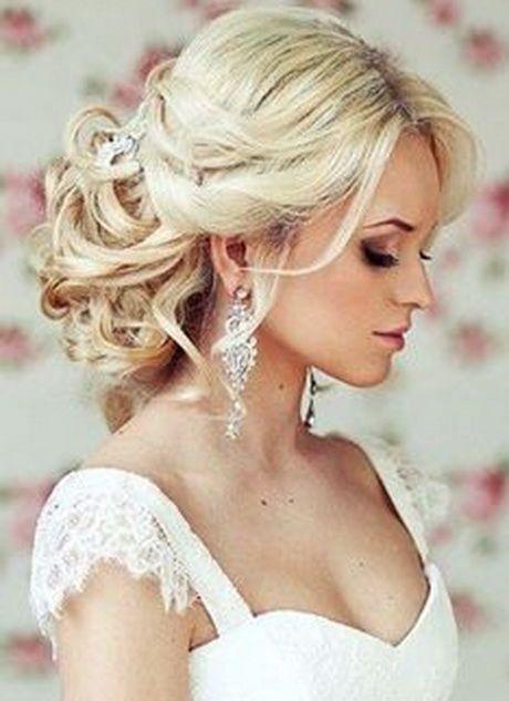 Bruidskapsels lang haar half opgestoken