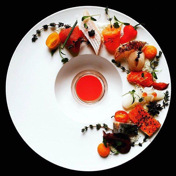 いいね!128件、コメント5件 ― @winingndiningのInstagramアカウント: 「We're dying to have a taste of @chefericou's impeccably plated sashimi, aren't you?? …」